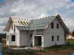 Sedlový krov střechy novostavby rodinného domu Janovice nad Úhlavou