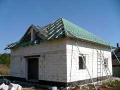 Stanový krov střechy novostavby rodinného domu s vikýři Kralupy nad Vltavou